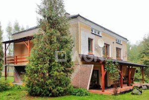 na zdjęciu widok na dom w okolicy Tarnowa do sprzedaży