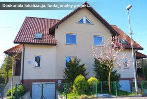 widok z ulicy na front domu do sprzedaży w Szczecinie